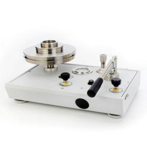Pístový tlakoměr P3000L