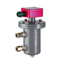 Starší provedení plovákového magnetického spínače hladiny v obtokové komoře s červeně lakovanou hlavicí