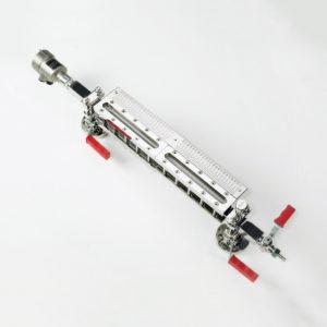 Přímý skleněný stavoznak v kombinaci s vedenou mikrovlnou