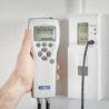 Kalibrace nástěnného převodníku Vaisala HMW90 pomocí přenosného ručního měřiče HM70