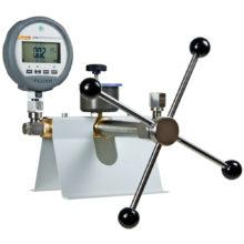 Ruční zdroje tlaku FLUKE Calibration