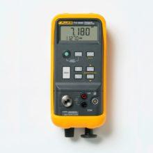 Fluke 718 kalibrátor tlaku svestavěnou pumpou