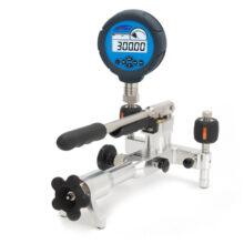 pneumatická pumpa Additel ADT917 s tlakoměrem