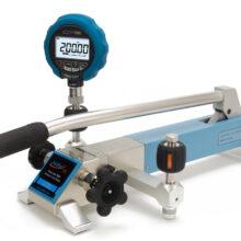 pneumatická pumpa Additel ADT920 s převodníkem tlaku
